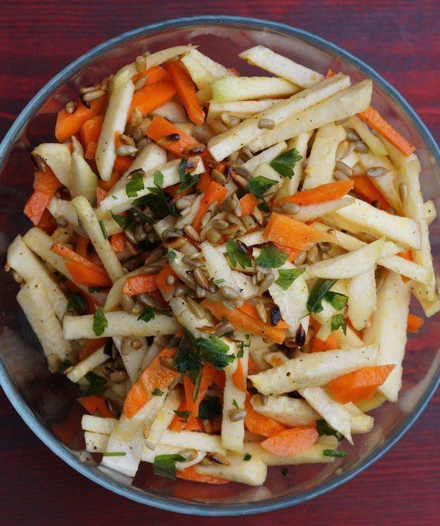 Surówka z kalarepy i marchewki - Surówki