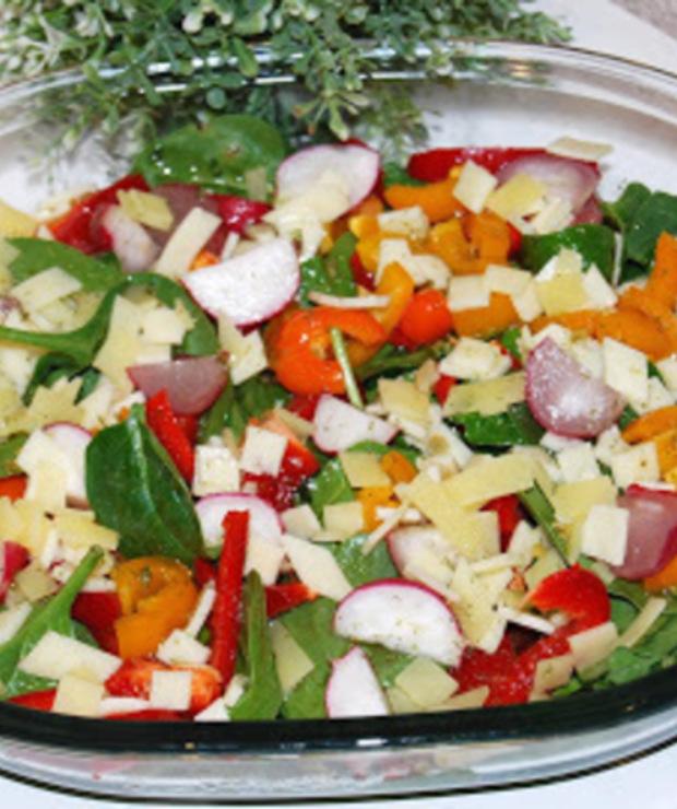 Szpinakowa  sałatka do obiadu - Jarskie