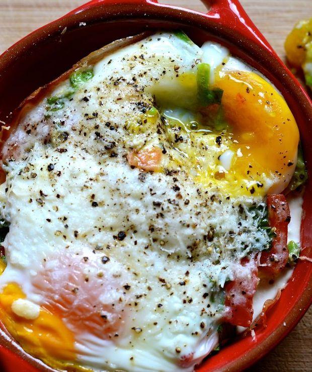 Jajka zapiekane po hiszpańsku - Jajka i omlety