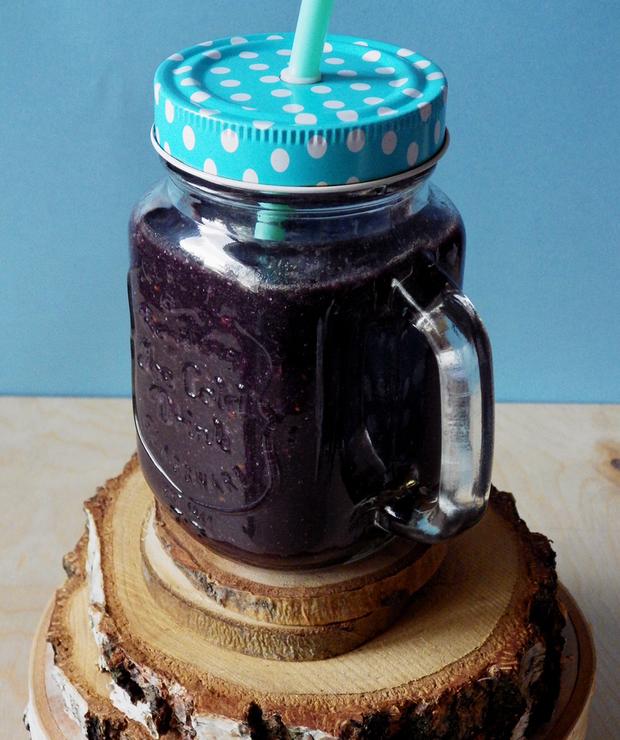 Czarne detoksykujące smoothie z quinoą - Bezglutenowe