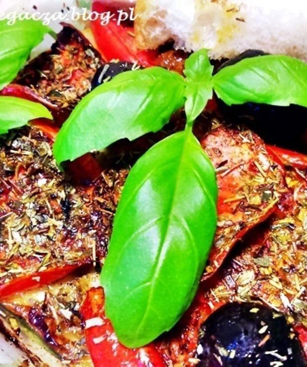 Tofu pieczone z pomidorami po grecku - Na gorąco