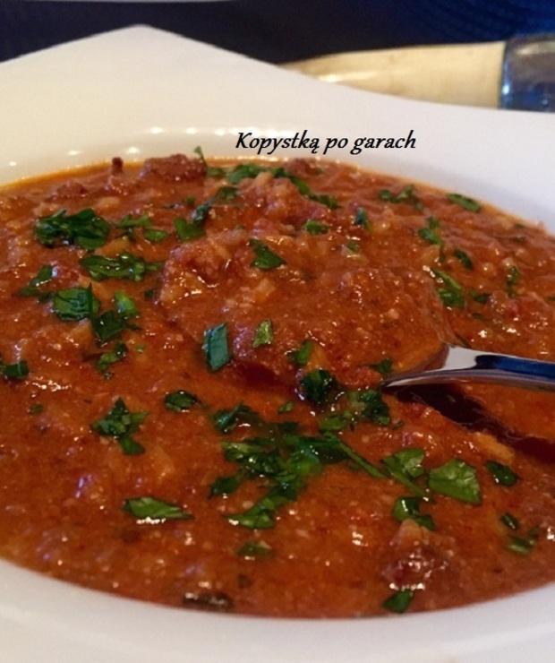 Charczo- gruzińska zupa z wołowiną. - Z mięsem