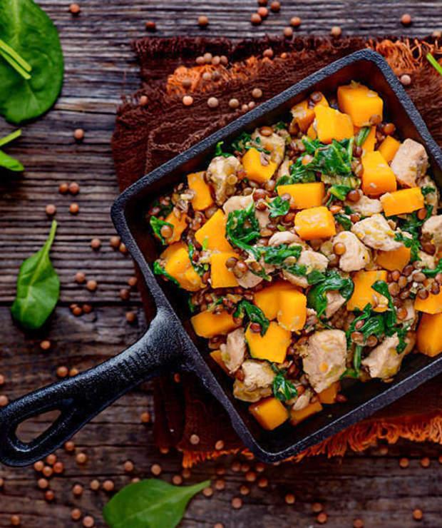Potrawka z kurczaka z dynią i brązową soczewicą - Warzywa