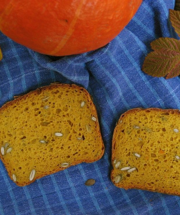 Chleb jesienny: żytni 100% z dyniowym puree i pestkami dyni - Chleby