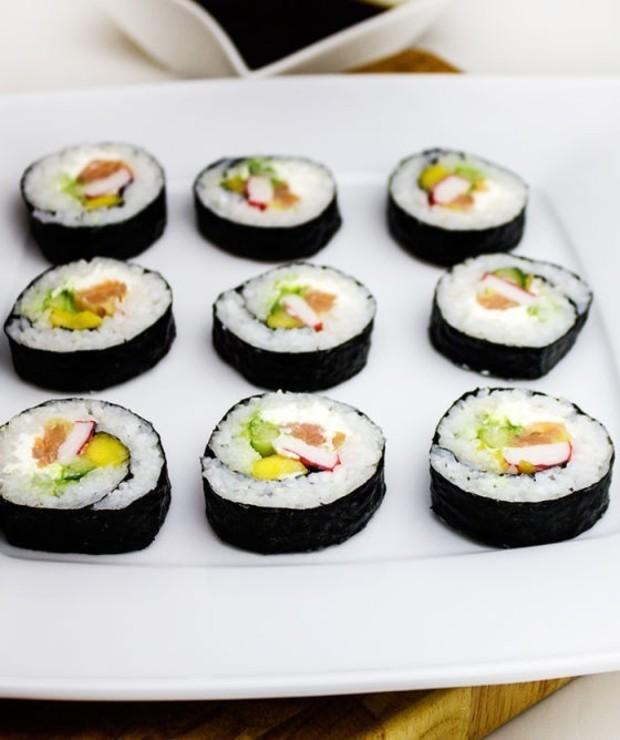 Sushi z wędzonym łososiem - Na zimno