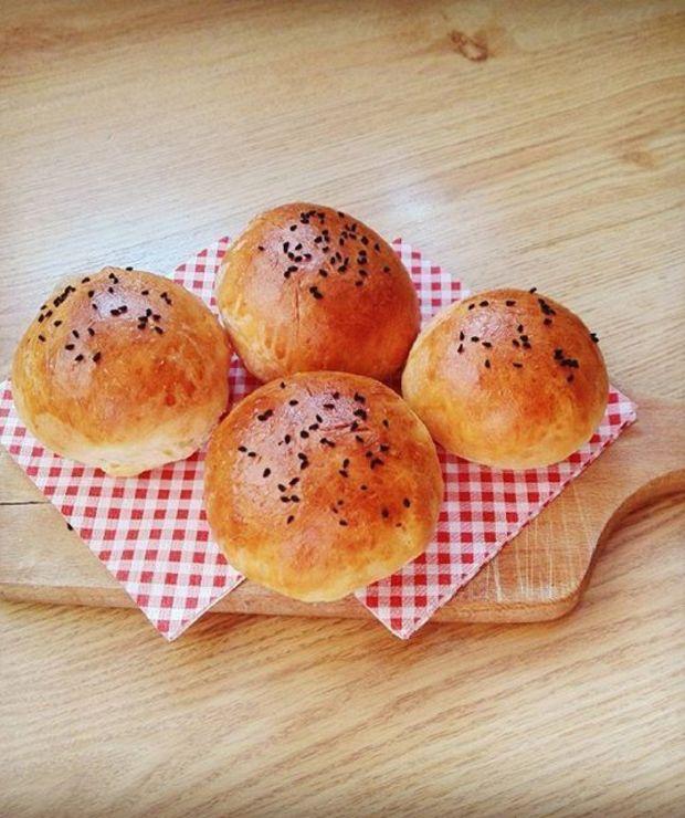 Bułeczki pszenne z czarnuszką - Bułki