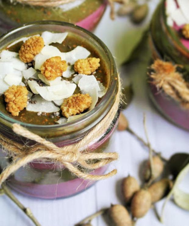 Deser 2w1 czyli zielony pudding chia i różowy tofurnik na zimno - Kremy