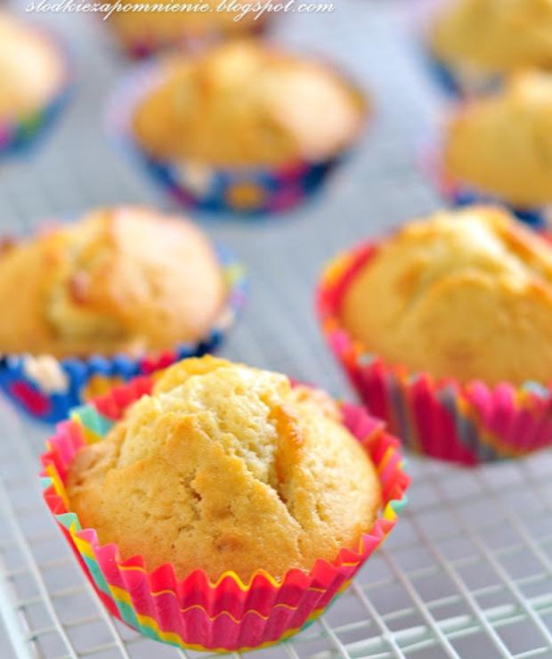 MUFFINY Z BIAŁĄ CZEKOLADĄ - Muffiny i babeczki