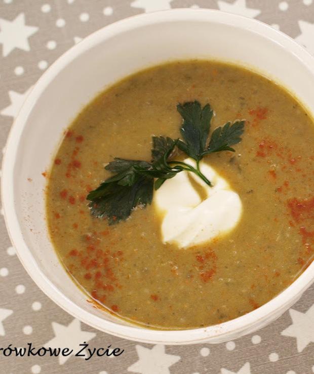 Odżywcza i oczyszczająca zupa z jarmużu - Z warzywami