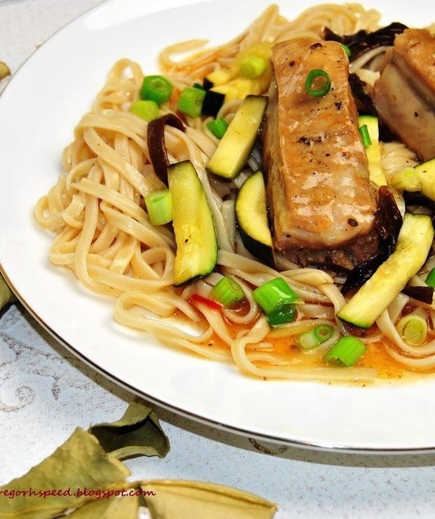 Żeberka z orientalną nutą - Wieprzowina