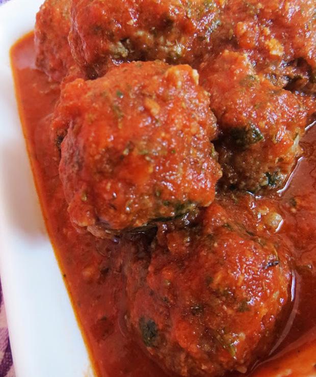 Klopsiki wołowe w pomidorowym sosie. - Wołowina