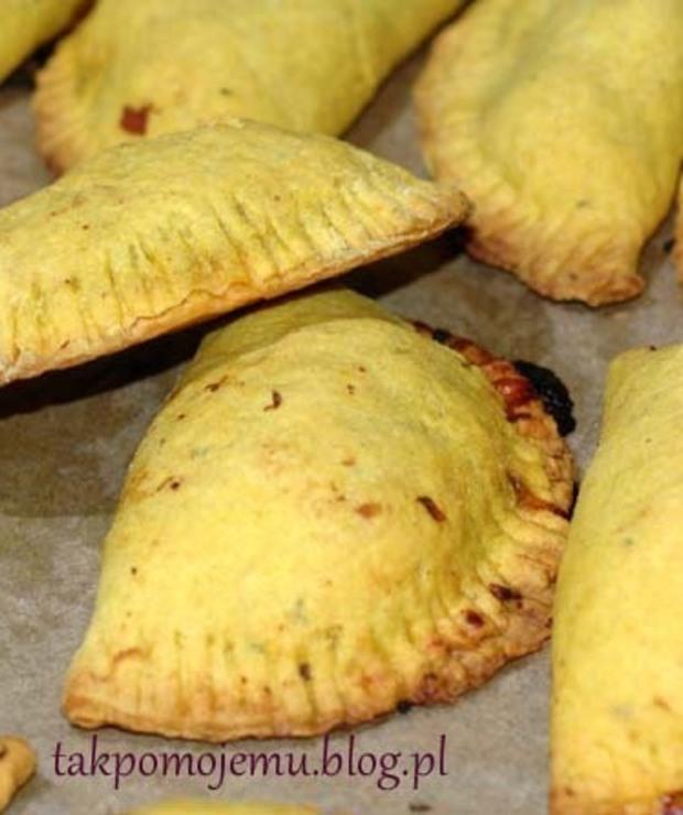 Jamaican beef patties – pikantne bułeczki z Jamajki - Mączne