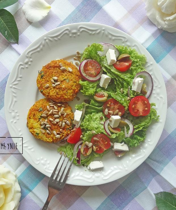 Kotleciki z kaszy jaglanej i marchewki - Dania z ryżu i kaszy