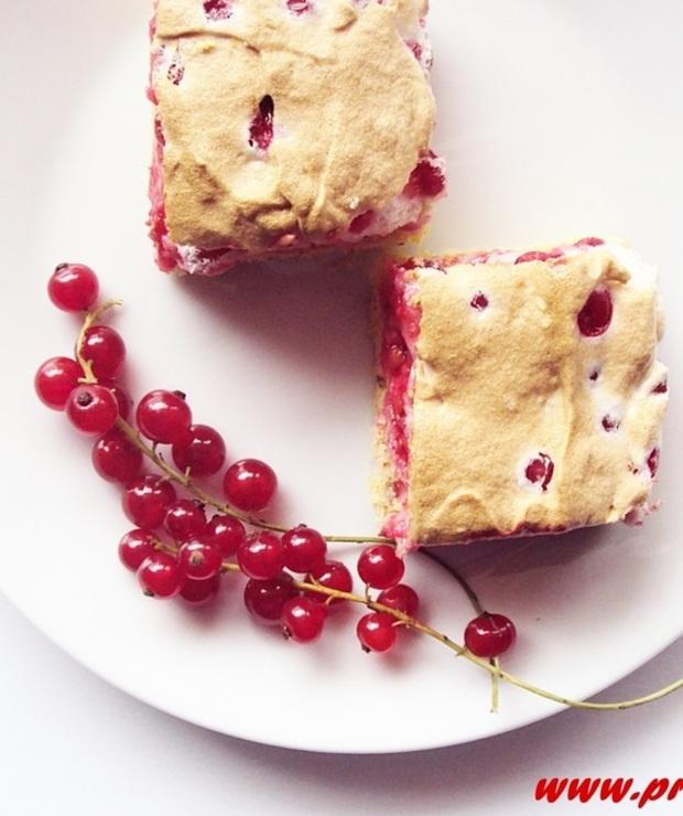 Bezglutenowe ciasto z bezą i czerwonymi porzeczkami - Ciastka