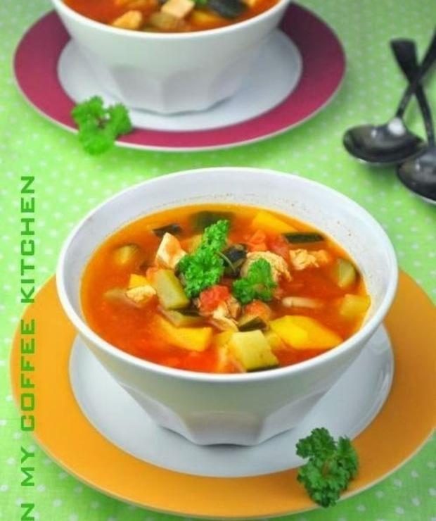 Zupa z kurczakiem i warzywami - Z mięsem
