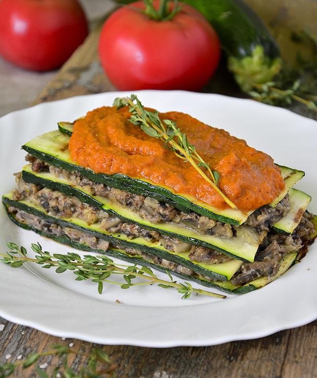 Prosta warzywna lazania z cukinii i pieczarek - Warzywa