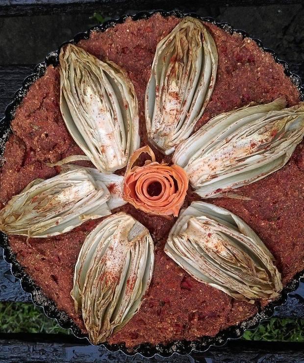 Tarta z cykorią na spodzie owsiano-warzywnym - Tarty wytrawne