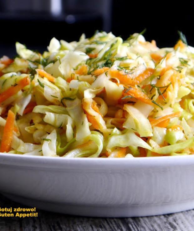 Surówka z młodej kapusty i pora  - Warzywa