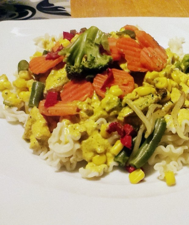Makaron Z Warzywami I Kurczakiem W Sosie Curry Targ Smaku