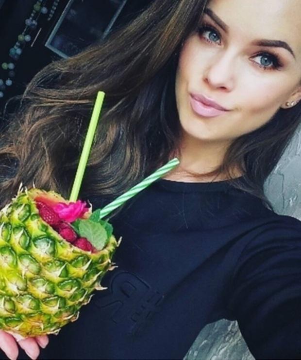 ananas + banan + maliny + woda kokosowa - Zimne