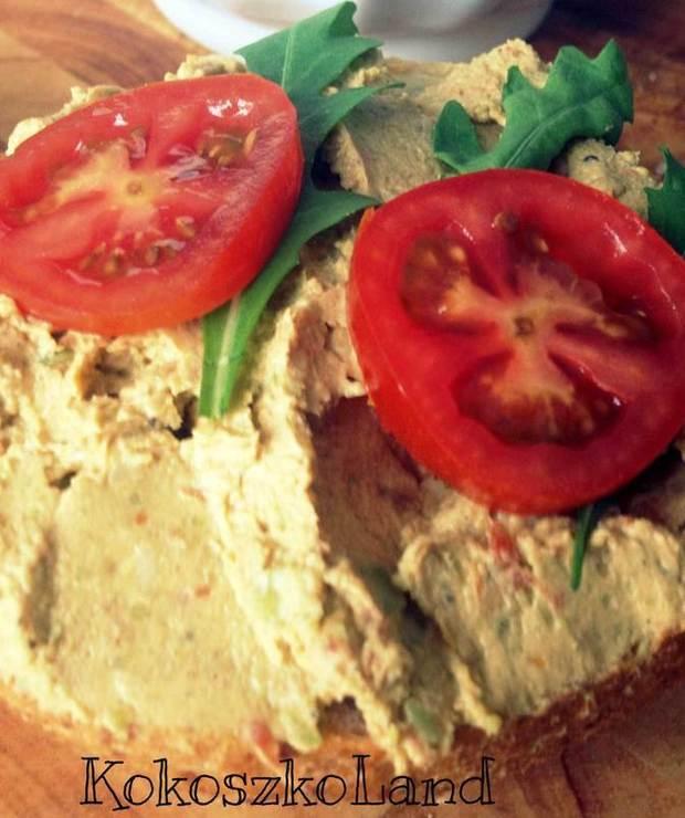 PASTA z bobu i suszonych pomidorów - Pasty do chleba