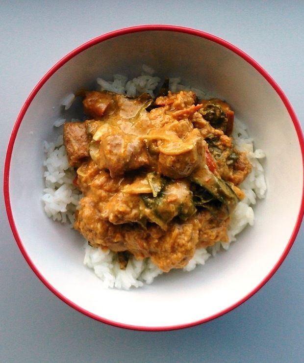 Kurczak w sosie z dyni i masła orzechowego - Drób