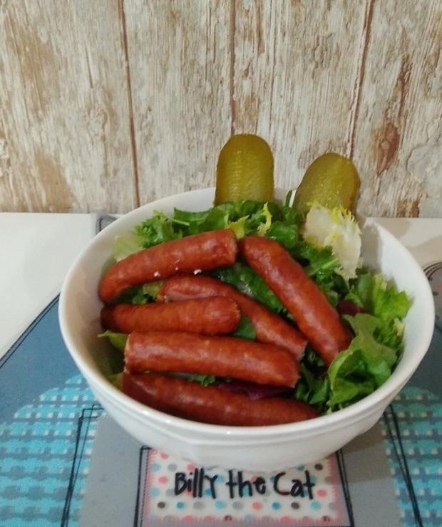 Kiełbaski Frankfurterki z sałatą - Mięsne