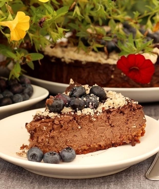 Czekoladowy tofurnik z borówkami i orzechami - Desery i ciasta
