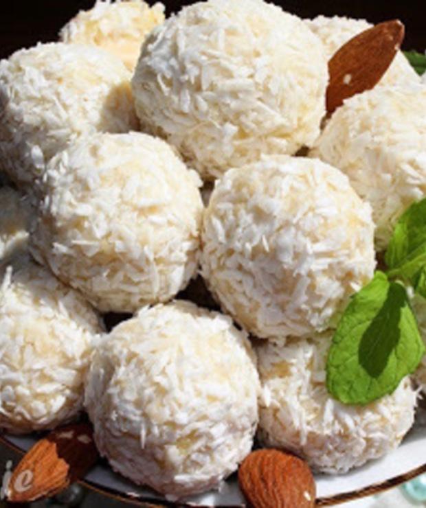 Kuleczki Rafaello z kaszy jaglanej - Desery i ciasta