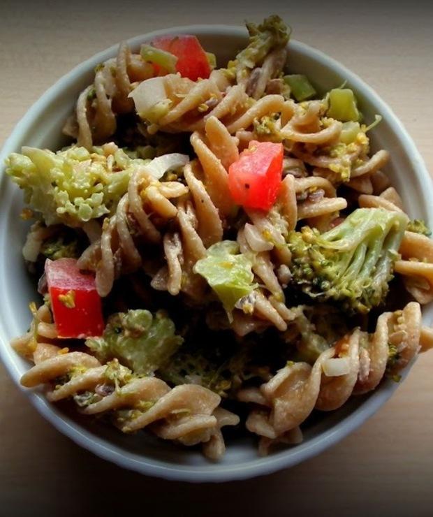 Sałatka makaronowa z brokułem - Jarskie