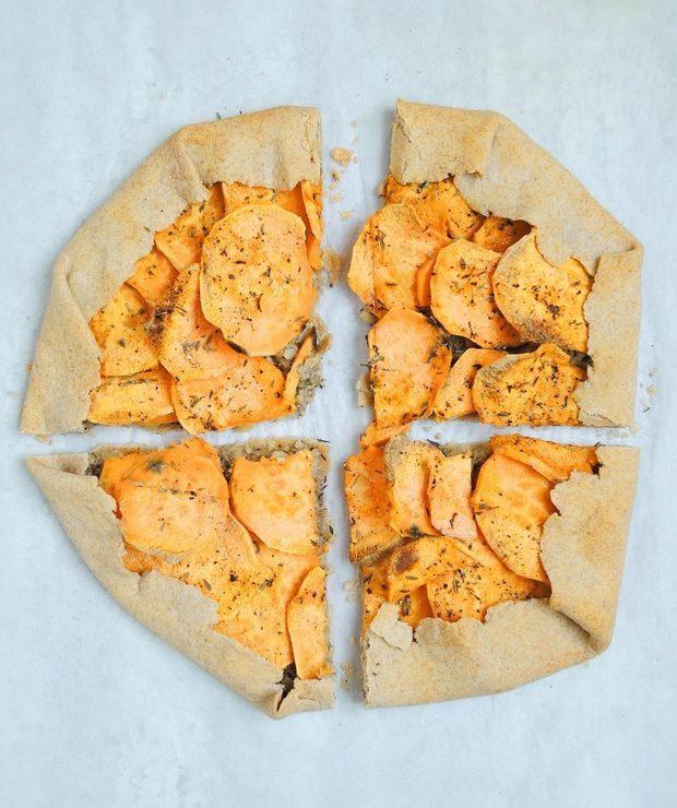 Pełnoziarniste galette z batatem i kremem nerkowcowym - Mączne