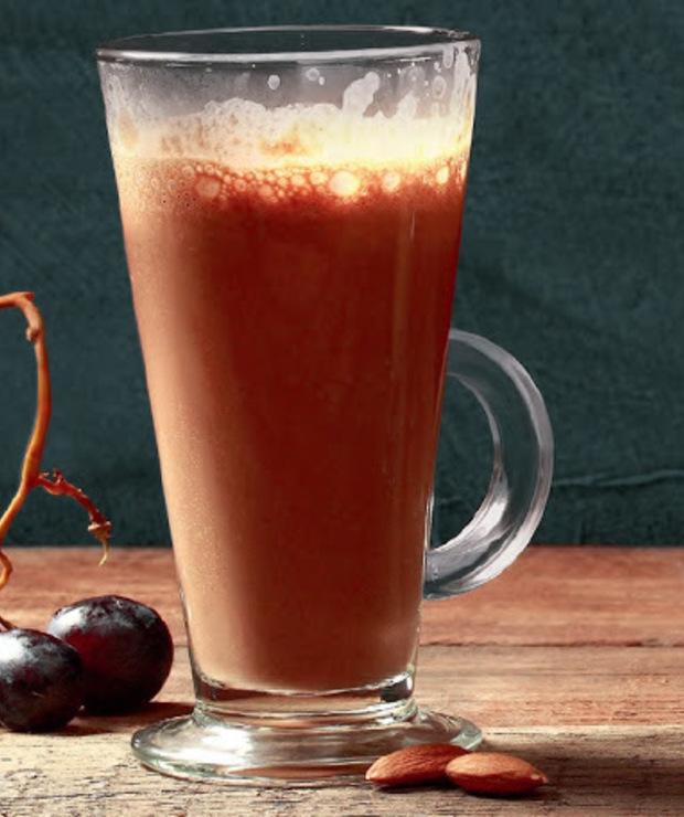 migdały + daktyle + kakao (karob) - Napoje