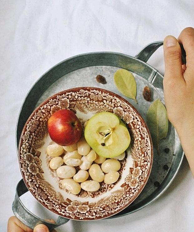 Kotlety fasolowe z jabłkiem i majerankiem - Jarskie