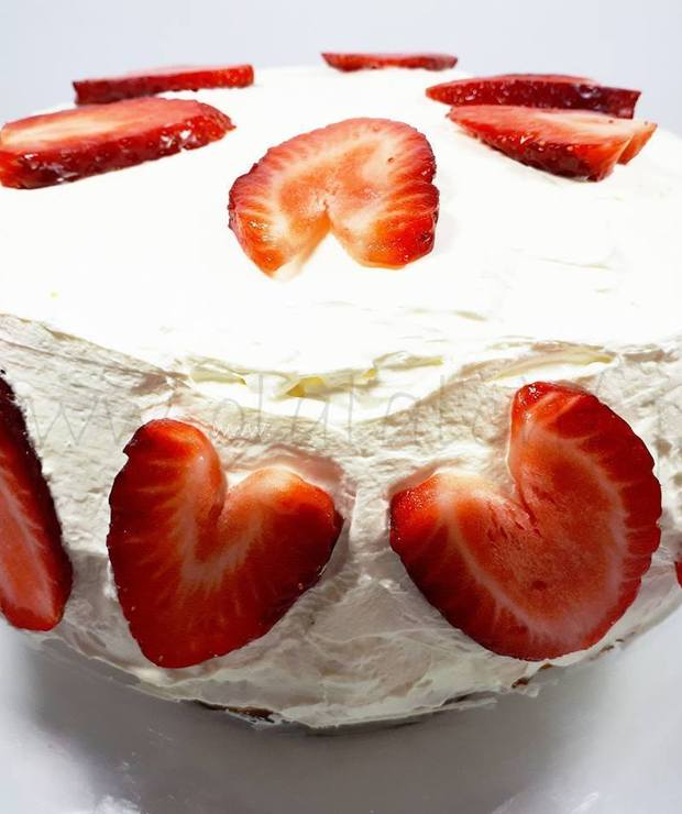 TORT ŚMIETANKOWO-TRUSKAWKOWY (keto, LCHF, optymalny, bez glutenu i cukru) - Torty