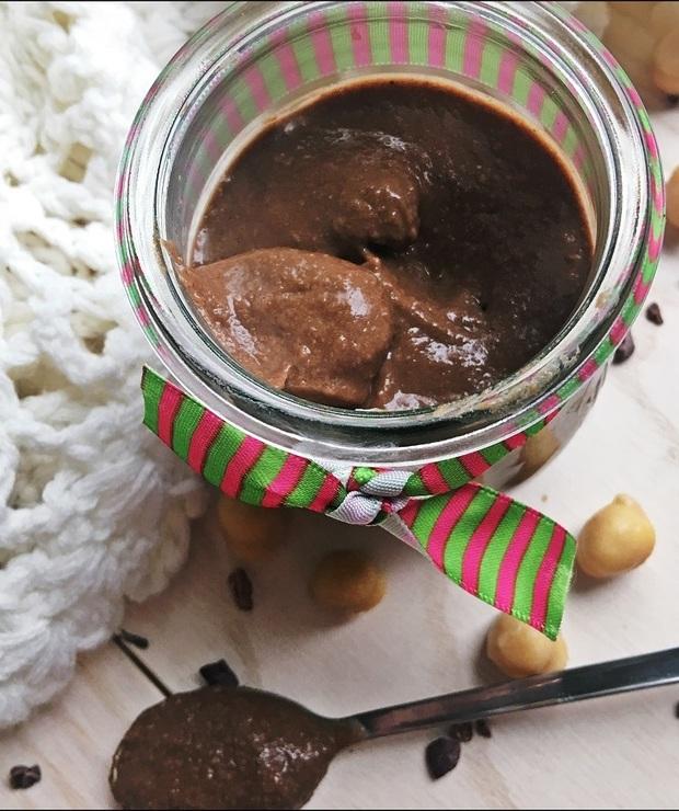 FIT Czekoladowy Hummus - Desery i ciasta