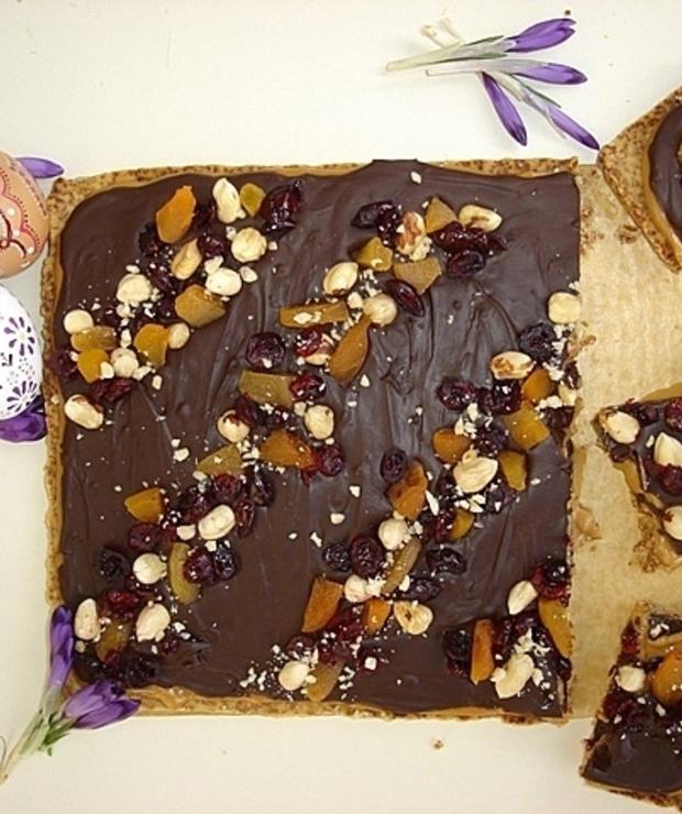 Mazurek kajmakowo- czekoladowy z bakaliami - Kruche