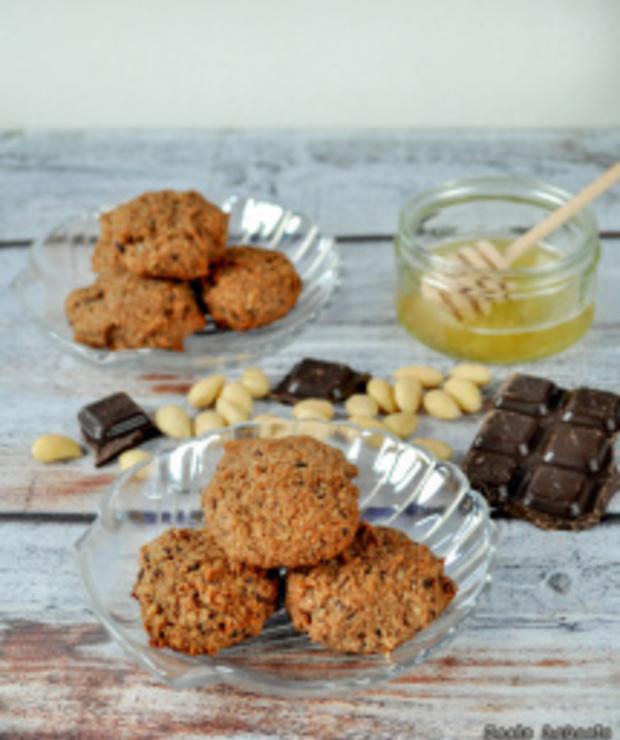 Ciasteczka czekoladowo-migdałowe - Ciastka