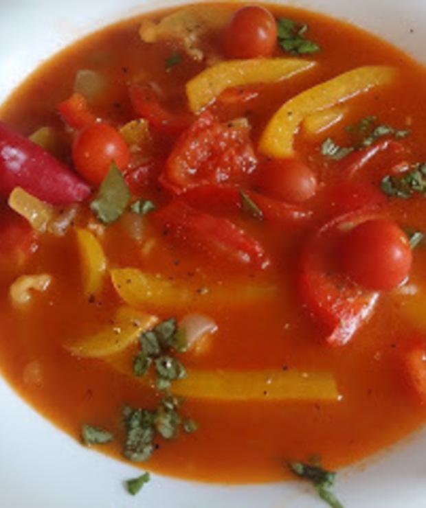 lekka zupa paprykowo pomidorowa - Z warzywami