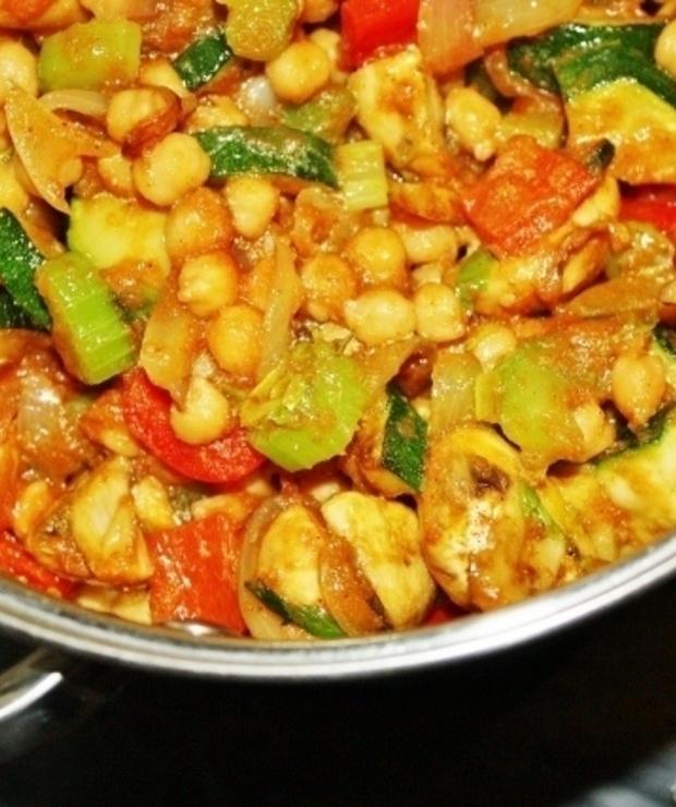 Warzywny gulasz z ciecierzycy - Warzywa