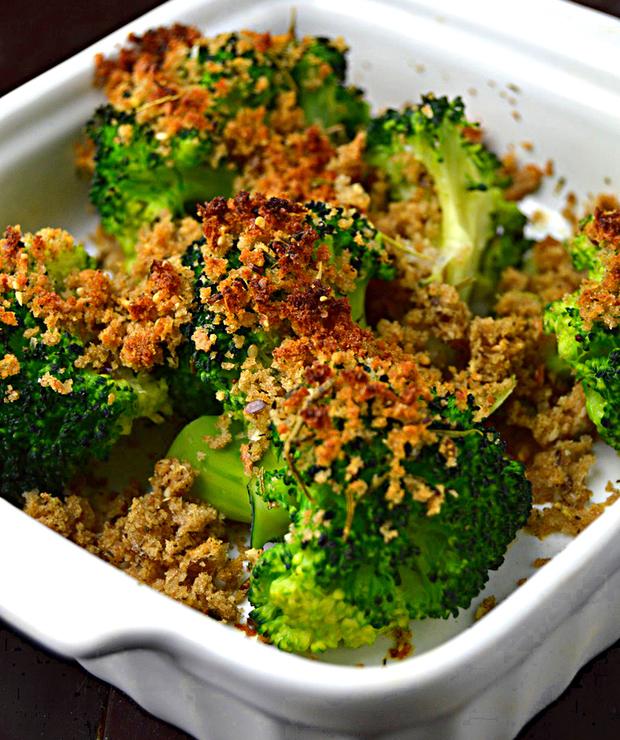 Lekkie brokuły zapiekane w pełnoziarnistej panierce - Na gorąco