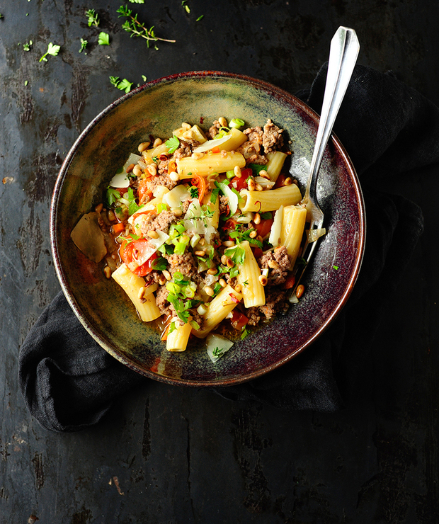 Makaron z mięsem mielonym i warzywami - Dania z makaronu