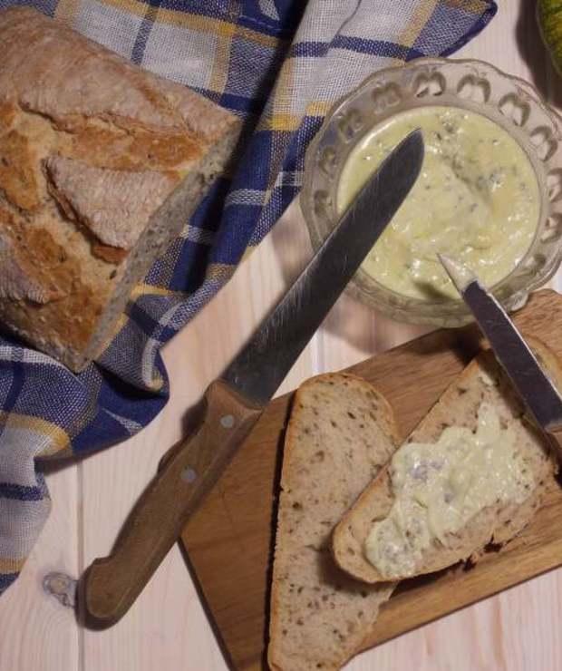 Serowa pasta kanapkowa z sera typu lazur - Pasty do chleba