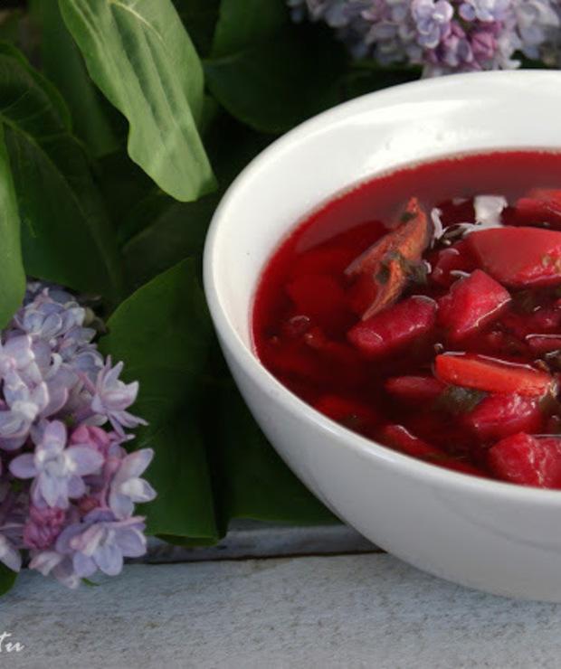 Barszcz czerwony z botwiną i ziemniakami - Z warzywami