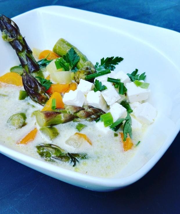 Zupa szparagowa kolorowa - Z warzywami