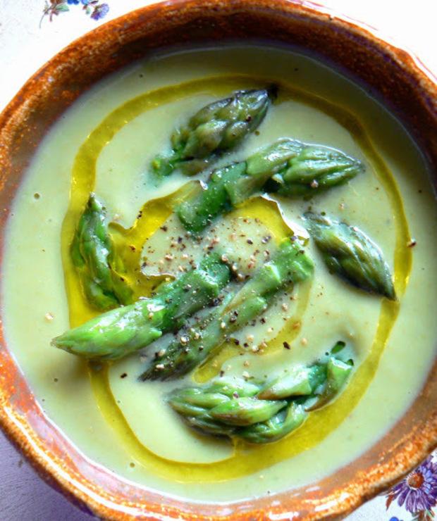 Zupa Krem Z Zielonych Szparagow Z Jogurtem Targ Smaku
