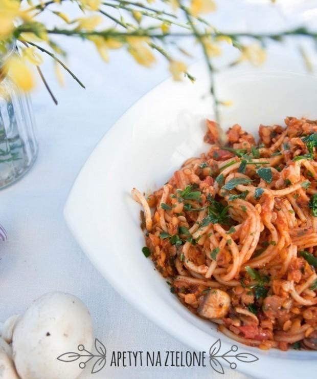 Wegetariańskie spaghetti bolognese - Dania z makaronu
