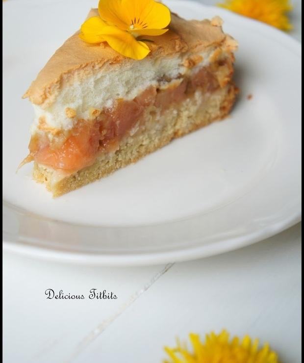 Wiosenne ciasto z rabarbarem, jabłkiem i bezą - Szarlotki