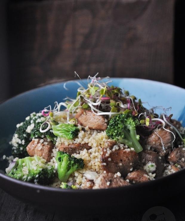 Kuskus z brokułami i indykiem - Mięsne