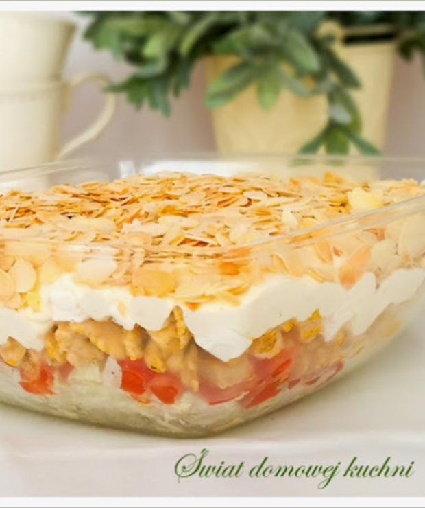 Sałatka warstwowa z kurczakiem i serem feta - Mięsne