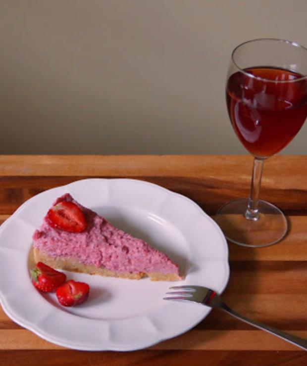 Kruche ciasto z kremem truskawkowym na Dzień Matki - Inne